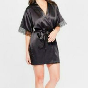 NWT Lace Trim Robe Black Size M/L